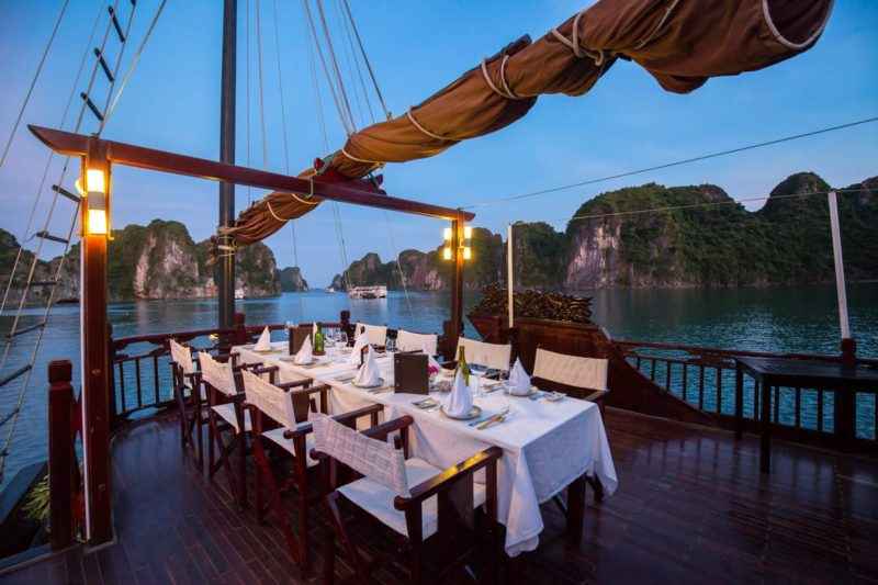 halong-bay-cruise-dragon-pearl-junk_09