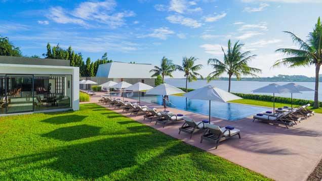 the_bale_phnom_penh_poolside_garden